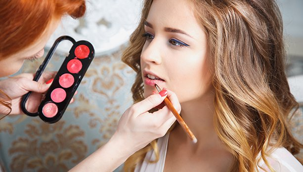Maquiagem: Dicas, truques, e cuidados com a pele